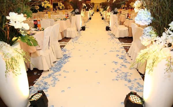 婚场布置-白色圣洁