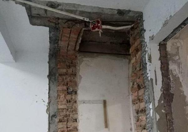 南阳楼房墙体改梁施工