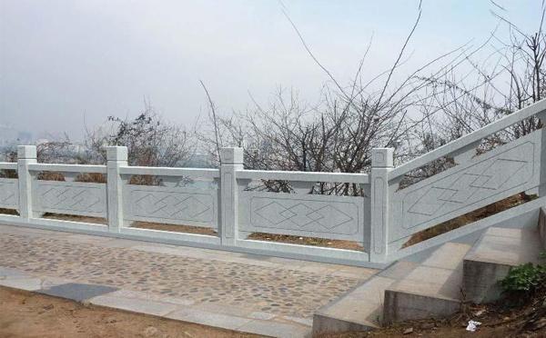 信阳石雕栏杆厂家