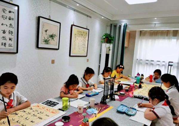 教育部:鼓励学生暑假参加书法、美术等艺术班