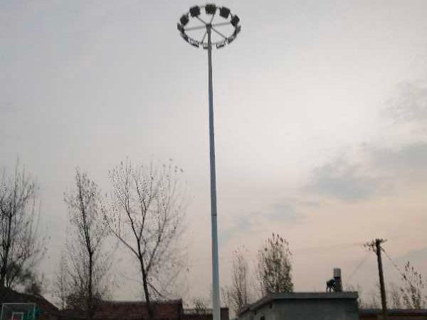 道路高杆太阳能路灯