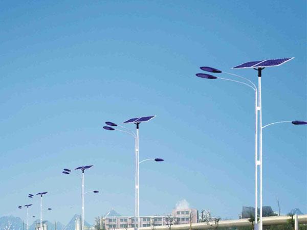 交通公路上的led太阳能路灯