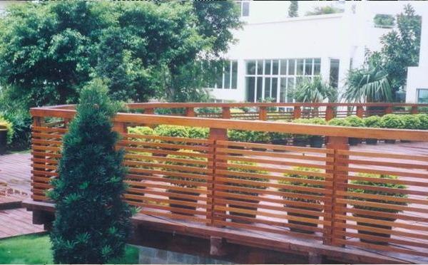 露台防腐木栏杆