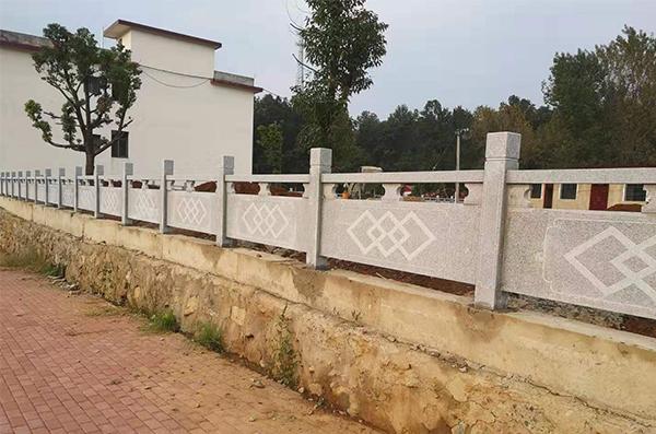 青石雕花栏杆