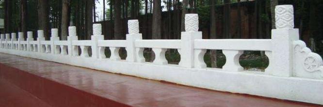 别墅青石石雕栏杆施工完毕