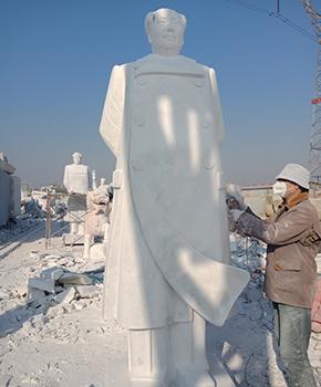 石雕毛主席站像