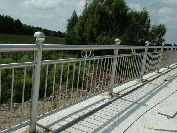 不銹鋼橋梁護欄