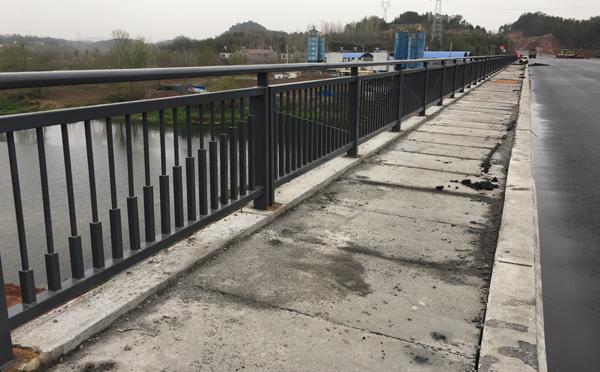漯河道路护栏在安装前,应注意到哪些呢?