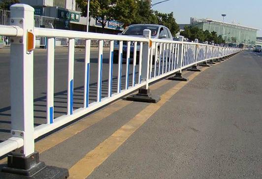 京式隔离护栏
