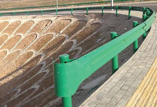 波形防撞护栏