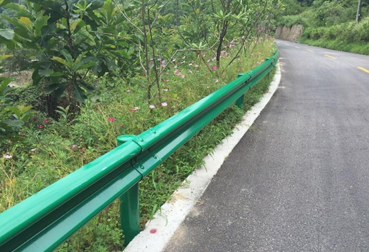 乡村公路波形护栏