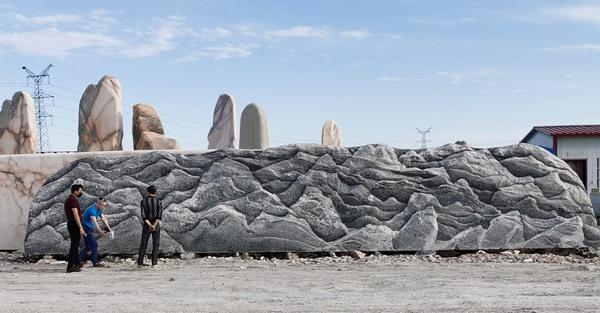 漳州市技校订购长12.8米泰山石