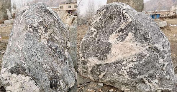 小区小型泰山石定做