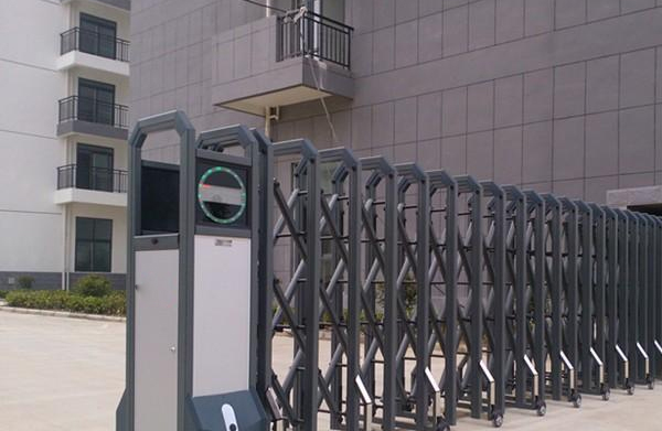 南阳电动伸缩门溧河物流园——安装案例
