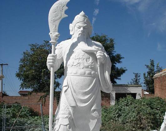 大型石雕关公像