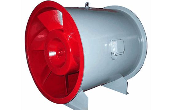 消防正压送风机应设置在专用的风机房内或室外平屋顶上。
