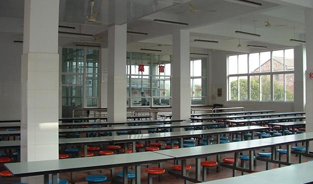 学校餐厅不锈钢桌椅安装