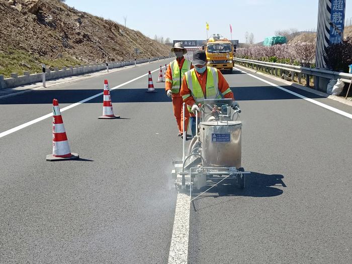 道路热熔标线施工