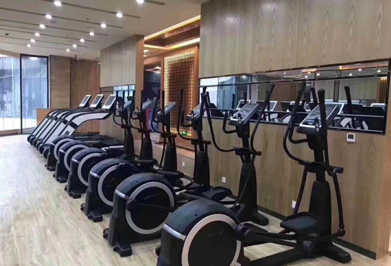 商用健身房椭圆机