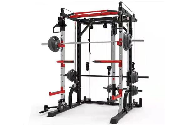 淄博健身房小飞鸟综合训练器使用方法和注意事项起始姿势。