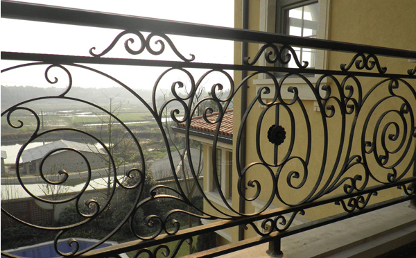 你知道南阳铁艺护栏可分为那几个大类吗?