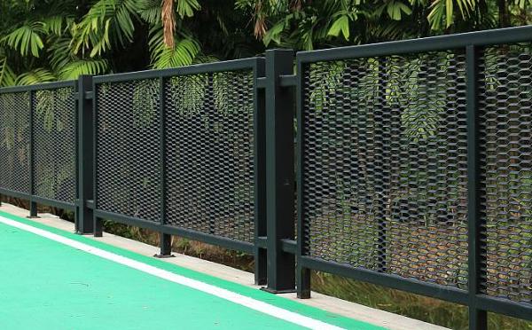 南阳铁艺护栏网牢固又美观