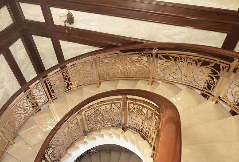 全屋定制楼梯采用木扶手有什么优点?