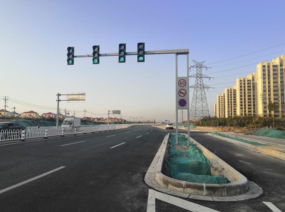 山东滨州沾化信号灯安装