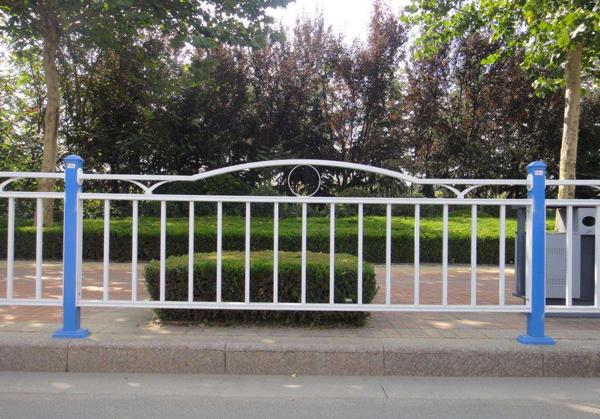 不锈钢人行道护栏
