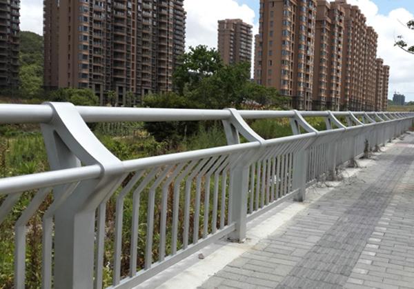 复合管桥梁护栏