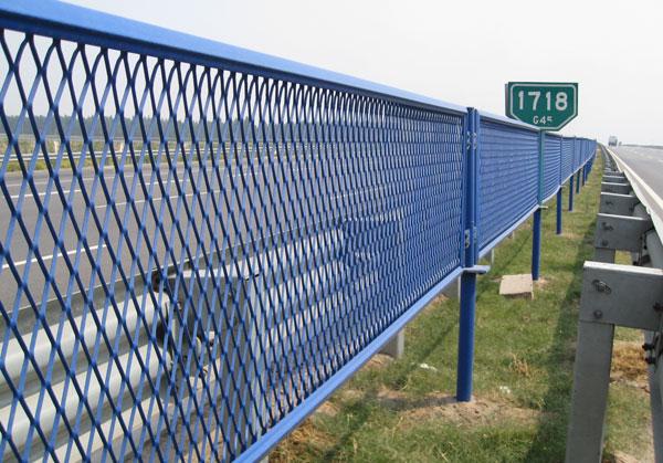 高速公路桥梁护栏