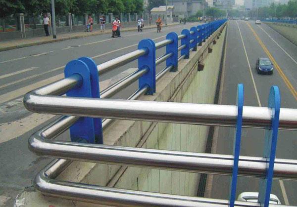 桥梁护栏定做