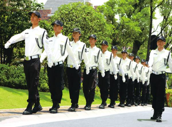 庭花苑物业告诉你保安服和警服的区别