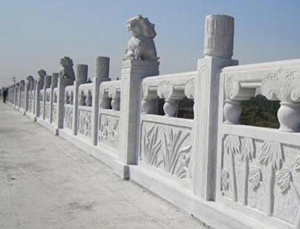 石雕栏杆在城市中起到了什么作用?