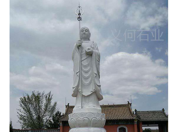 寺庙石雕佛像