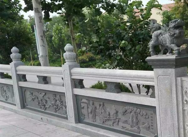 石雕栏杆的雕刻也很讲究的,由哪些组成的