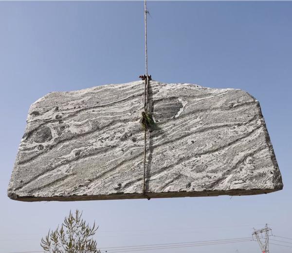 3米泰山石卧石