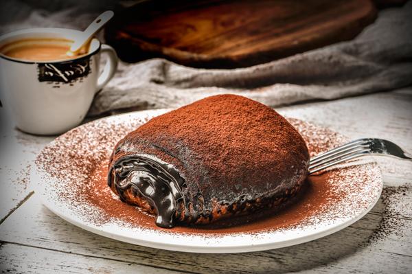 烘焙学校讲述布朗尼蛋糕制作的三个技巧