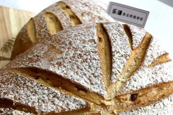 为什么在家里做得蛋糕烘焙没有店里面专业人士做出来的好吃?二者的差别在哪里?