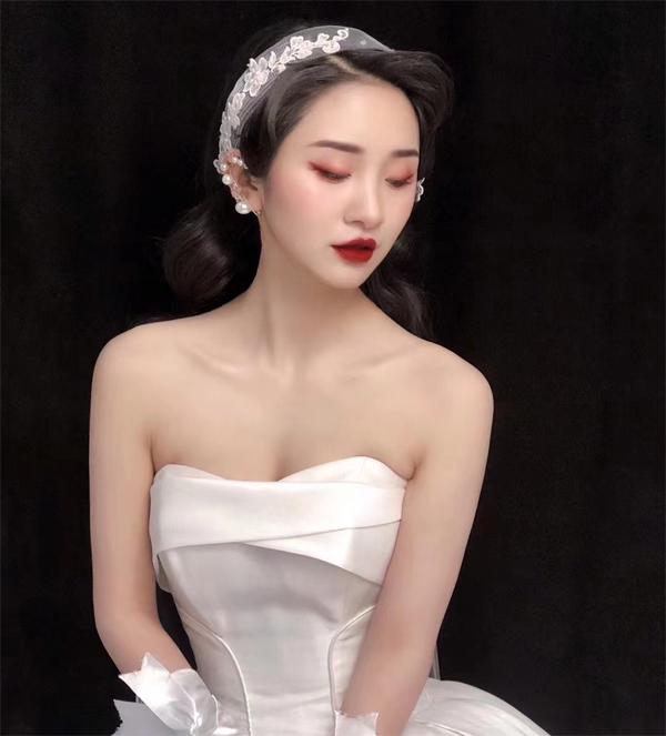 复古新娘造型