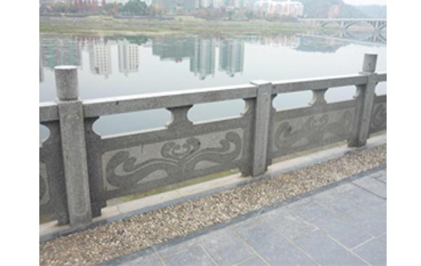 桥梁石雕栏适用范围广,起到很好的保护作用!