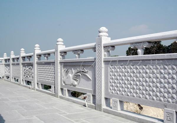 安阳汉白玉石雕栏杆施工要多注意天气温度等!