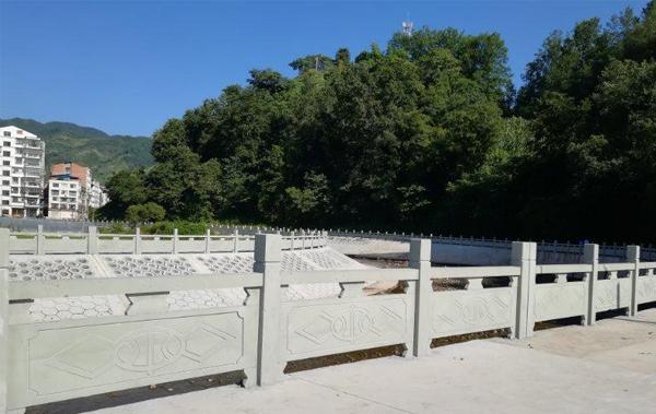 花岗岩石雕栏杆设计后,要确认好才能施工