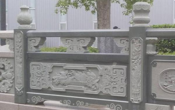 石雕栏杆一般遇到哪些意外损伤,怎样保养呢