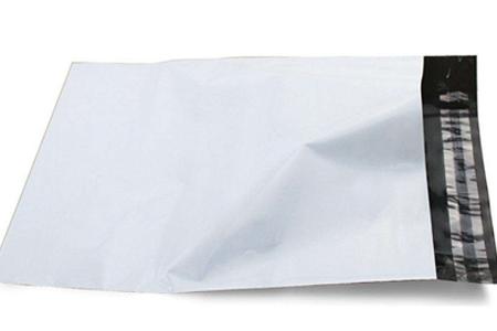 白色快递袋