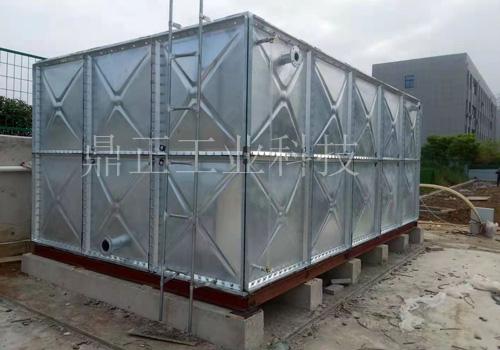 镀锌钢板水箱安装完成