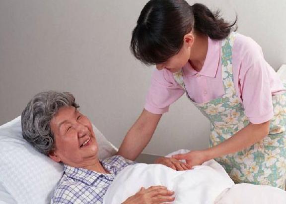 住家保姆照顾老人的护理服务内容主要有哪些呢?
