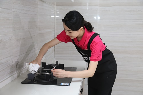 厨房蒸汽清洁