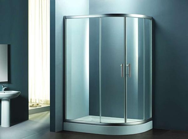 圆弧形淋浴房