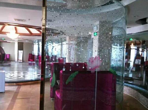 饭店玻璃隔断
